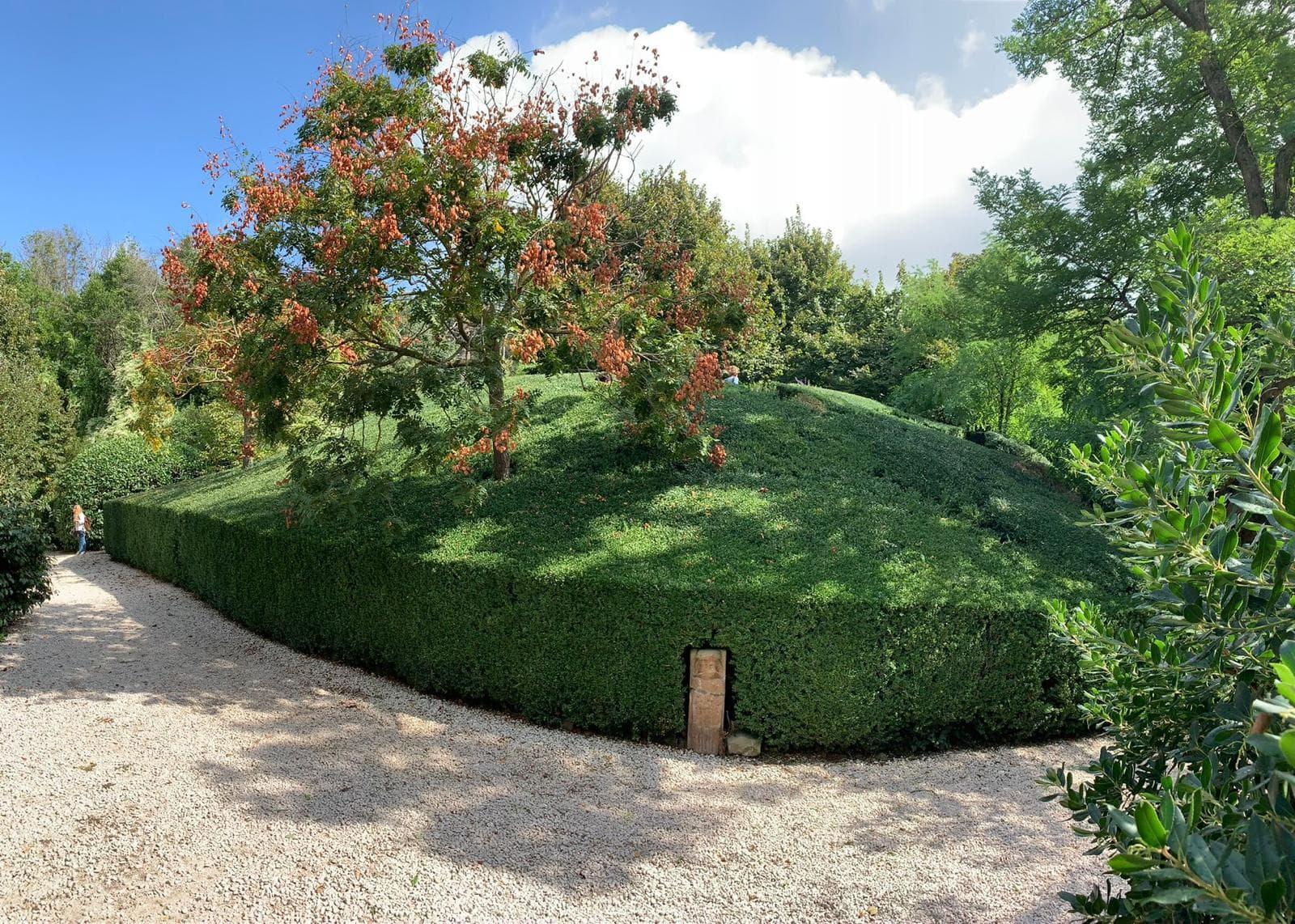 esterno e montagnola labirinto
